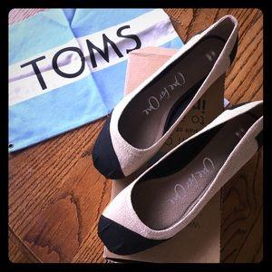 TOMS Ballet Flats